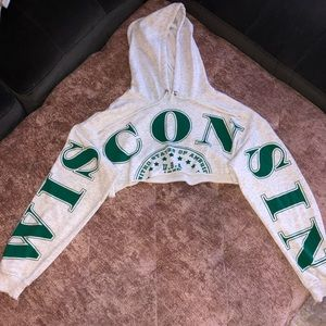 "💋""WISCONSIN"" cropped sweater💋"